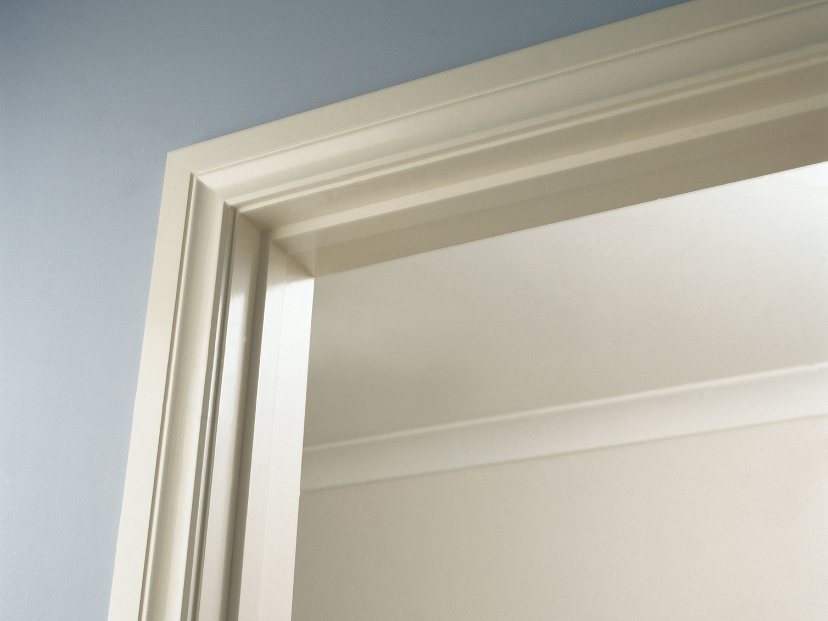 Mouldings on Design Modern Interior Doors